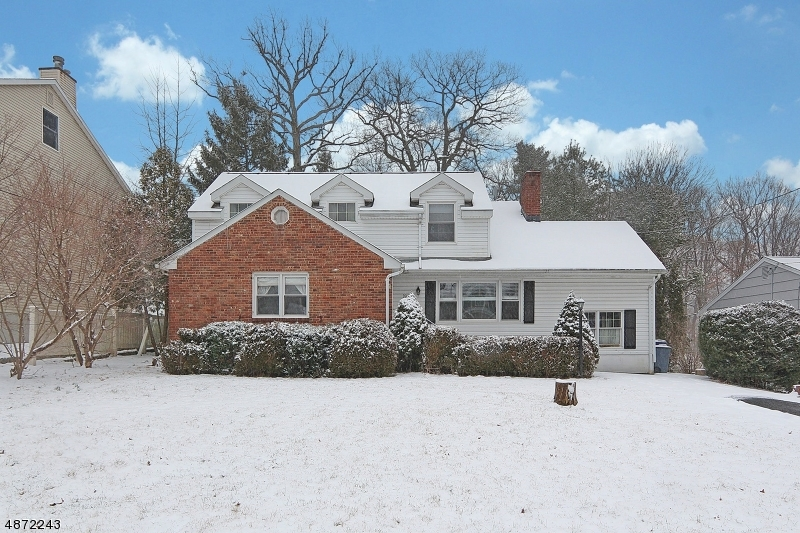 Single Family Home for Sale at 90 WOODLAND Avenue Fanwood, New Jersey 07023 United States