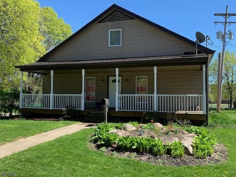 Maison unifamiliale pour l Vente à Hackettstown, New Jersey 07840 États-Unis