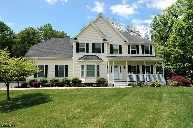 Single Family Homes pour l Vente à Hardwick, New Jersey 07825 États-Unis