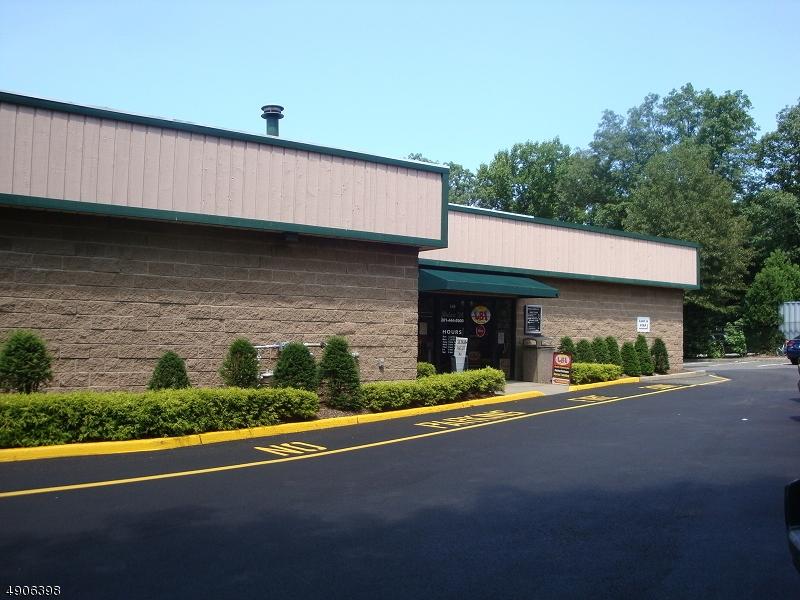 Property のために 賃貸 アット Waldwick, ニュージャージー 07463 アメリカ