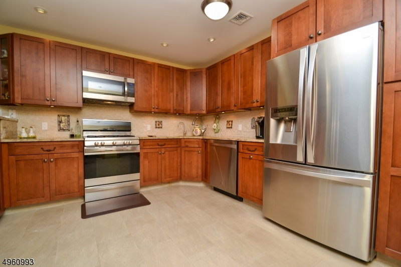 Additional photo for property listing at  Jefferson Township, 新泽西州 07849 美国