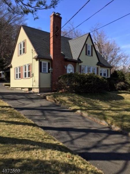 Single Family Homes のために 賃貸 アット Cedar Grove, ニュージャージー 07009 アメリカ