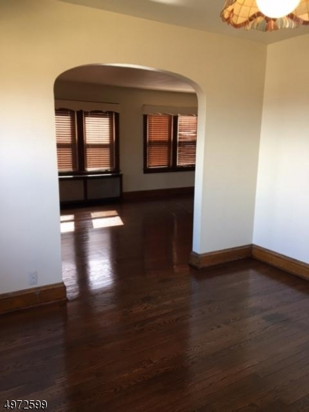 Additional photo for property listing at  Cedar Grove, ニュージャージー 07009 アメリカ