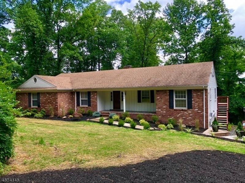 Property 为 销售 在 Mountainside, 新泽西州 07092 美国