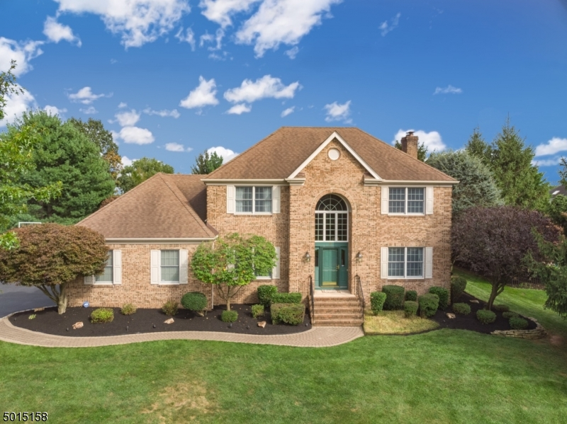 Single Family Homes para Venda às Hillsborough, Nova Jersey 08844 Estados Unidos