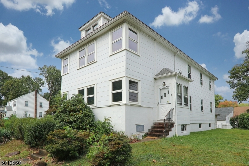 Multi-Family Homes pour l Vente à Garwood, New Jersey 07027 États-Unis