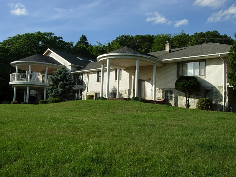 Single Family Home for Sale at 674 Uniontown Road Phillipsburg, 08865 United States