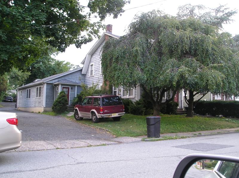 Многосемейный дом для того Продажа на Address Not Available Nutley, 07110 Соединенные Штаты