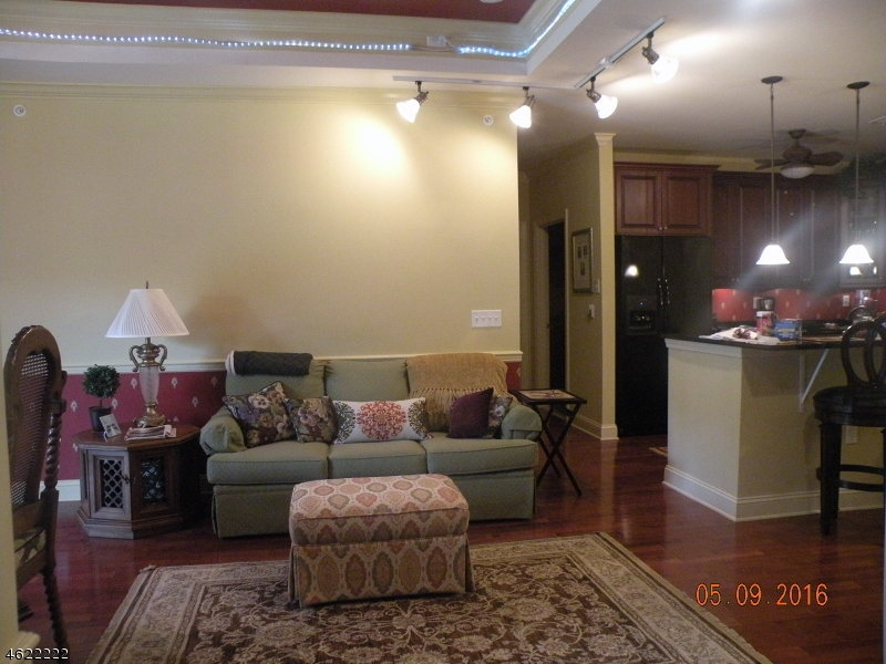 Additional photo for property listing at 19 Zachary Way  阿灵顿山, 新泽西州 07856 美国