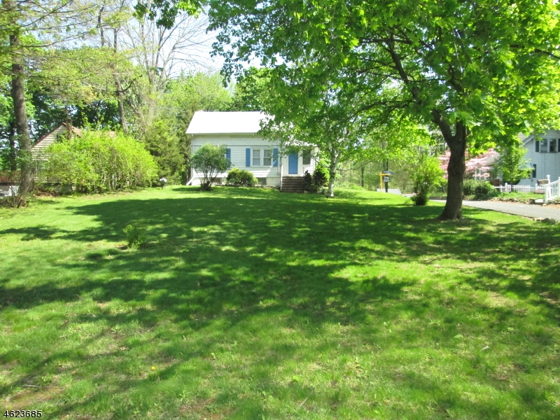 Additional photo for property listing at 15 BEUNS Lane  Wayne, New Jersey 07470 United States