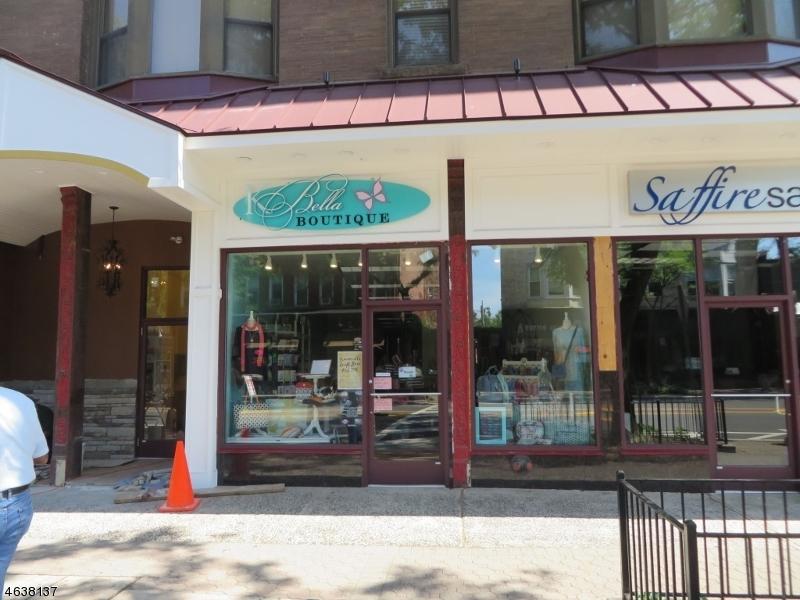 Commercial pour l Vente à 72 W MAIN Street Somerville, New Jersey 08876 États-Unis
