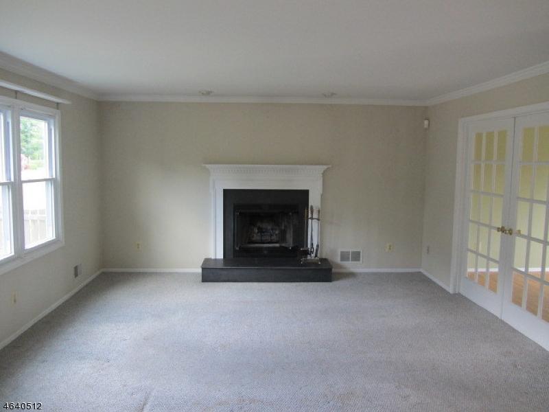 Additional photo for property listing at 14 Governor Road  Flemington, Нью-Джерси 08822 Соединенные Штаты