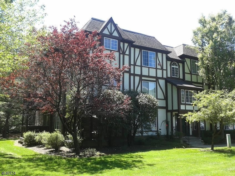 Maison unifamiliale pour l à louer à 6 Village Drive Morristown, New Jersey 07960 États-Unis