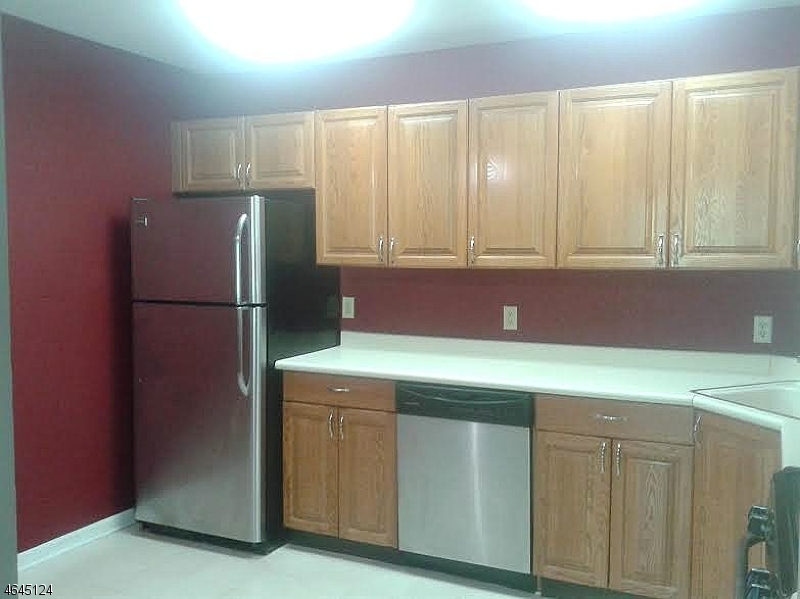 Additional photo for property listing at 6 Village Drive  Morristown, New Jersey 07960 États-Unis