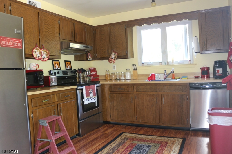 Additional photo for property listing at 14254 Dell Place  Stanhope, New Jersey 07874 États-Unis