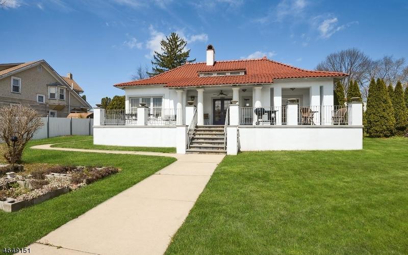 Частный односемейный дом для того Продажа на 222 W Washington Avenue Washington, Нью-Джерси 07882 Соединенные Штаты
