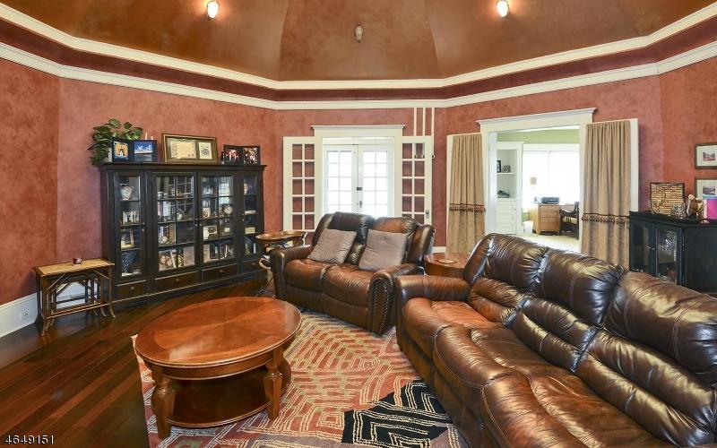Additional photo for property listing at 222 W Washington Avenue  Washington, New Jersey 07882 États-Unis