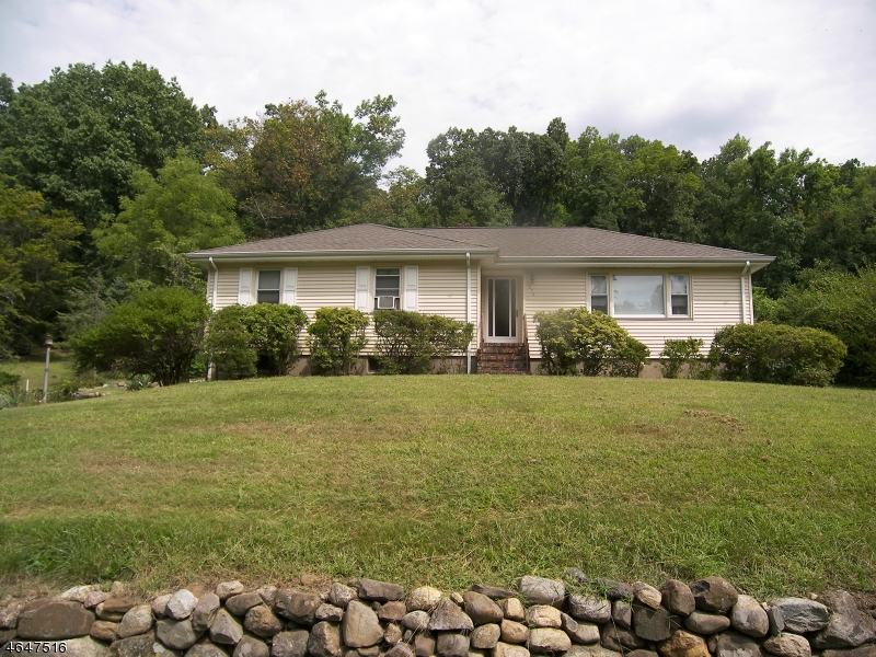 Additional photo for property listing at 376 Pine Brook Road  Lincoln Park, New Jersey 07035 United States