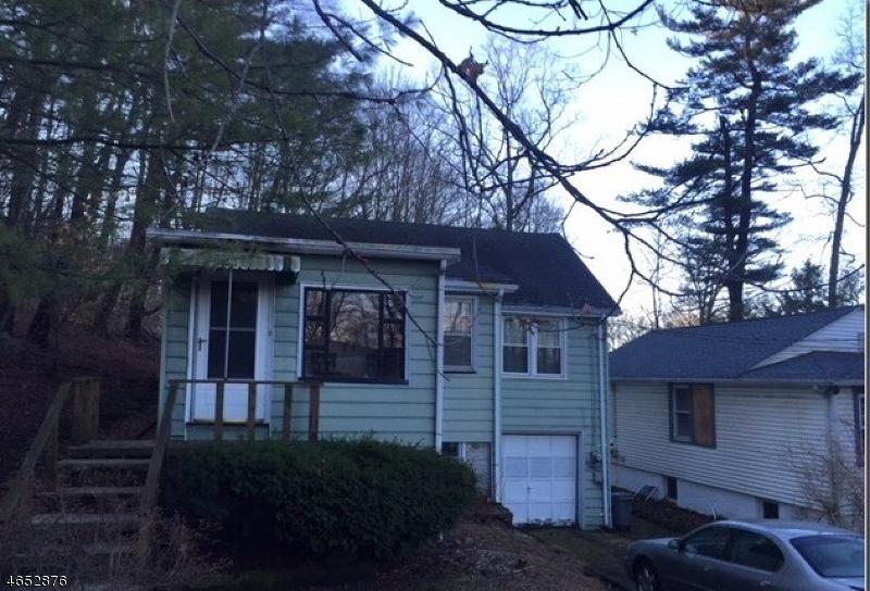 独户住宅 为 销售 在 8 Mapleshade Road Hewitt, 新泽西州 07421 美国