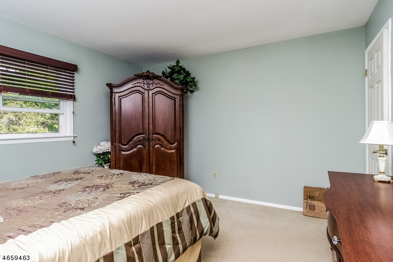Additional photo for property listing at 78 Duval Street  Bridgewater, New Jersey 08807 États-Unis