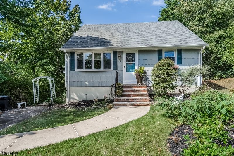 Maison unifamiliale pour l Vente à 78 Duval Street Bridgewater, New Jersey 08807 États-Unis