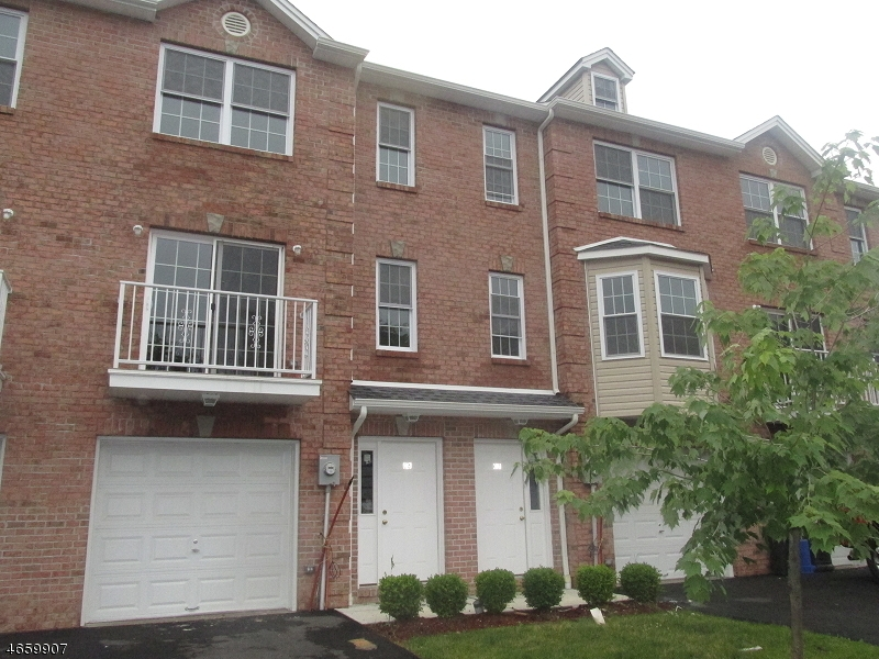 Additional photo for property listing at 1D LILY Court  Roselle, New Jersey 07203 United States