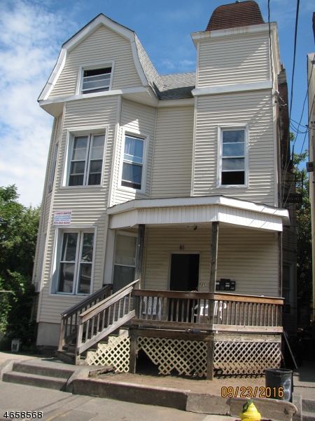 Additional photo for property listing at 81 Auburn Street  Paterson, New Jersey 07501 États-Unis