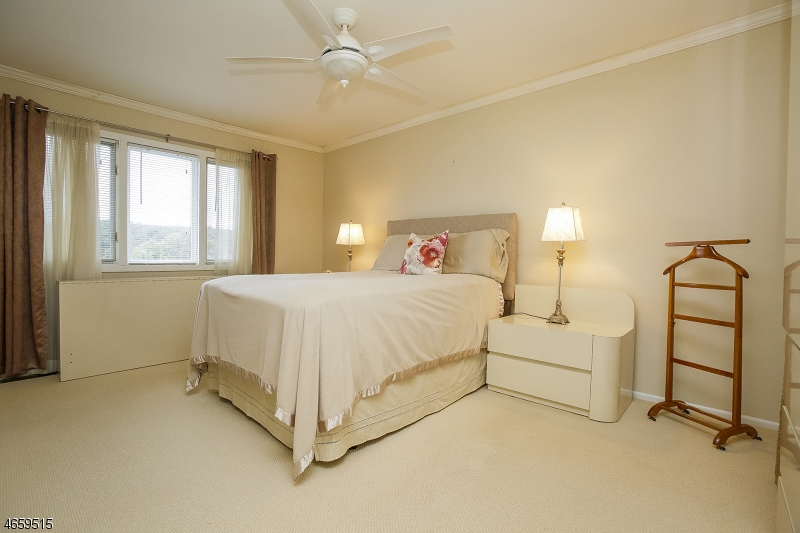 Additional photo for property listing at 34 Davey Drive  西奥兰治, 新泽西州 07052 美国