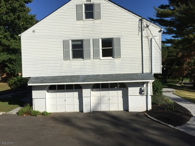 Additional photo for property listing at 376 Orenda Circle  Westfield, New Jersey 07090 United States