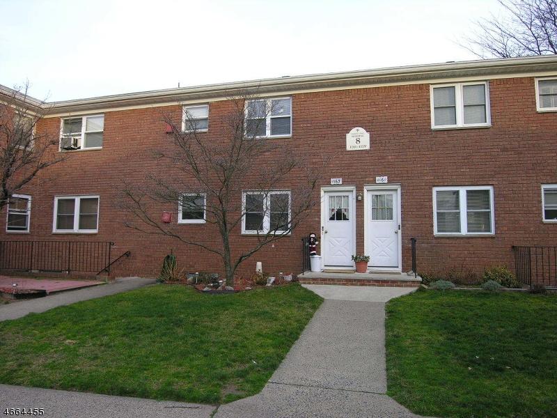 Частный односемейный дом для того Аренда на 1163B VALLEY Road Wayne, 07470 Соединенные Штаты