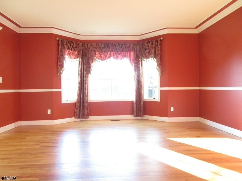Additional photo for property listing at Address Not Available  Butler, Nueva Jersey 07405 Estados Unidos