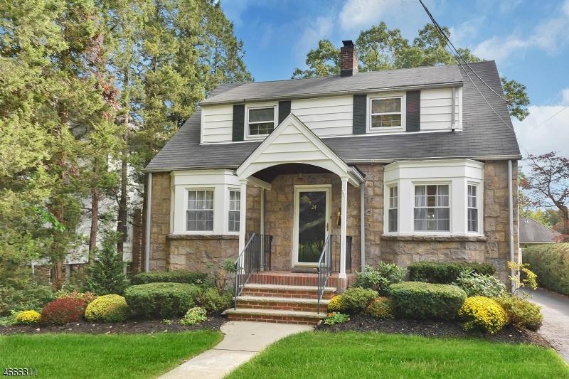 Частный односемейный дом для того Продажа на 24 Cedar Street Glen Rock, 07452 Соединенные Штаты