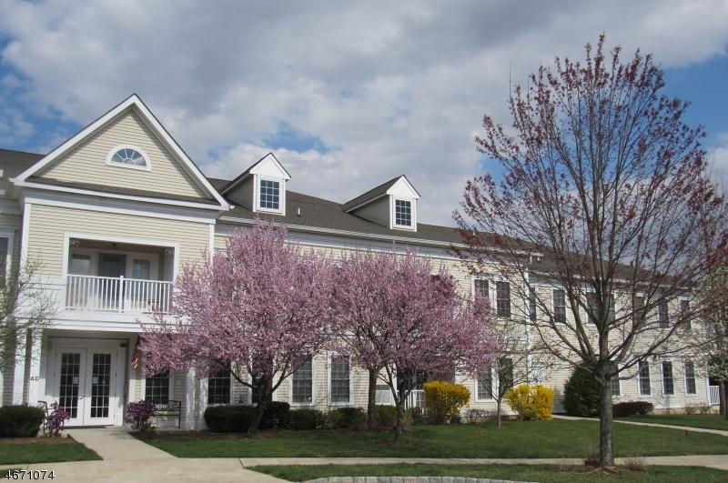 独户住宅 为 出租 在 4015 Brookfield Glen Drive Belvidere, 新泽西州 07823 美国