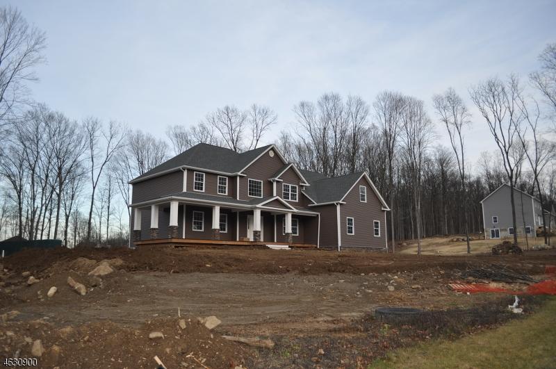 Частный односемейный дом для того Продажа на 24 EAGLES NEST Road Andover, Нью-Джерси 07821 Соединенные Штаты