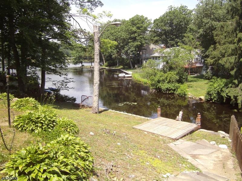 Casa Unifamiliar por un Alquiler en 78 E Shawnee Trail Wharton, Nueva Jersey 07885 Estados Unidos