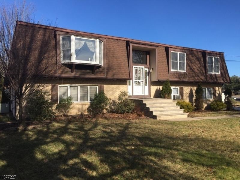 Maison unifamiliale pour l Vente à 23 Liberty Ridge Trail Totowa Boro, New Jersey 07512 États-Unis