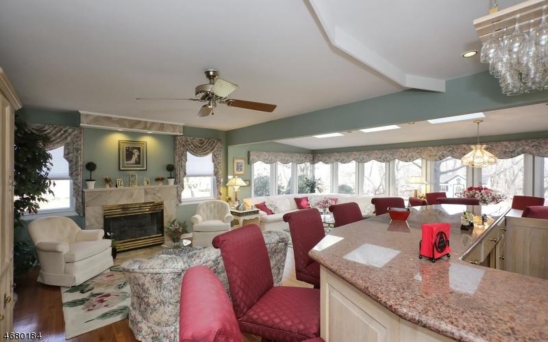 Casa Unifamiliar por un Venta en 121 Winding Way Stirling, Nueva Jersey 07980 Estados Unidos