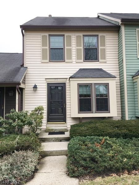 Частный односемейный дом для того Аренда на 77 Wood Duck Court Hackettstown, 07840 Соединенные Штаты