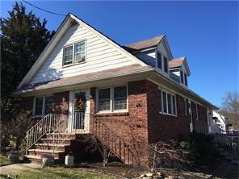 Single Family Home for Sale at 639 Rahway Ave Woodbridge, New Jersey 07095 United States