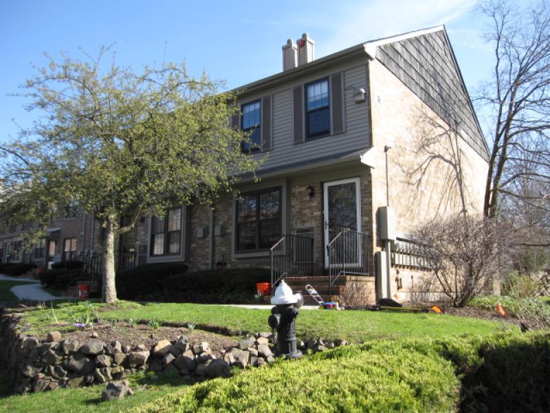 Casa Unifamiliar por un Alquiler en 181 Long Hill Road R11 Little Falls, Nueva Jersey 07424 Estados Unidos