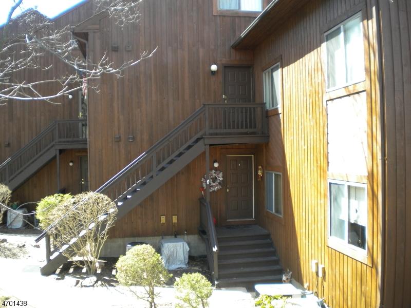 Частный односемейный дом для того Аренда на 1 Baltusrol Way, unit 5 Vernon, Нью-Джерси 07462 Соединенные Штаты