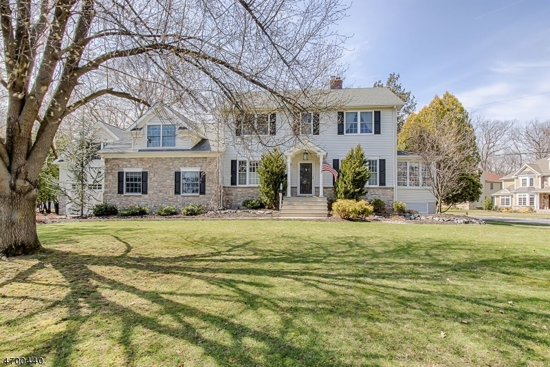 Single Family Home for Sale at 149 Braidburn Road Florham Park, New Jersey 07932 United States