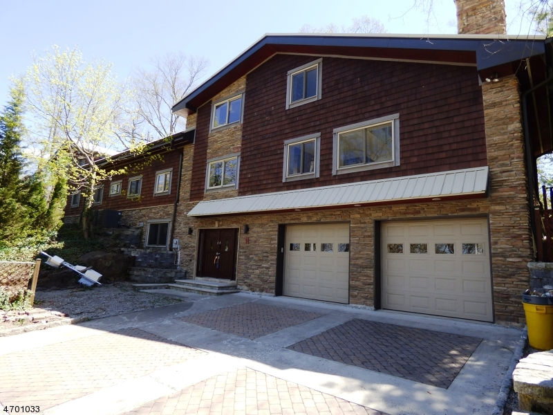 Single Family Home for Sale at 61 Seminole Avenue Lincoln Park, New Jersey 07035 United States