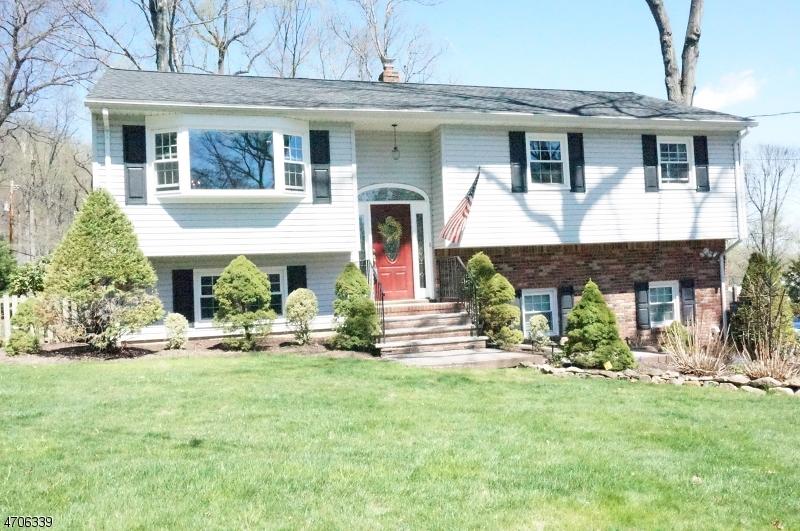 Частный односемейный дом для того Аренда на 1 Arlington Drive Denville, Нью-Джерси 07834 Соединенные Штаты