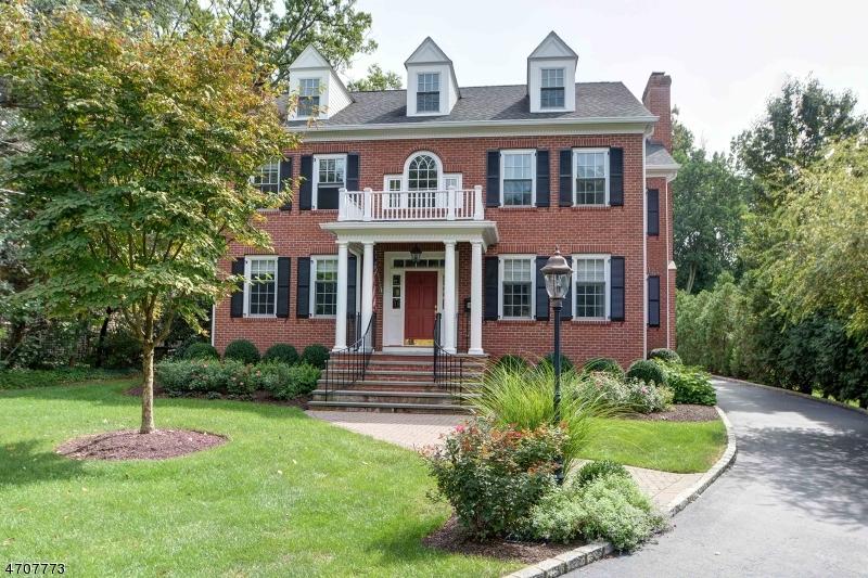 Maison unifamiliale pour l Vente à 125 Central Avenue Madison, New Jersey 07940 États-Unis