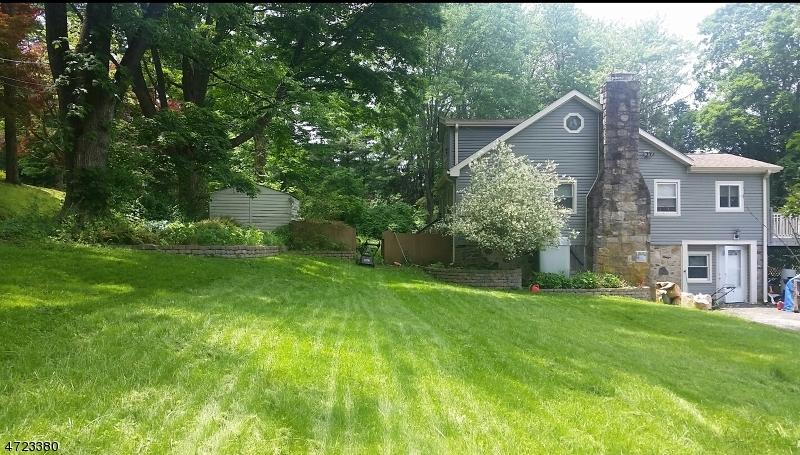 Einfamilienhaus für Verkauf beim 672 Limecrest Road 672 Limecrest Road Andover Township, New Jersey 07860 Vereinigte Staaten