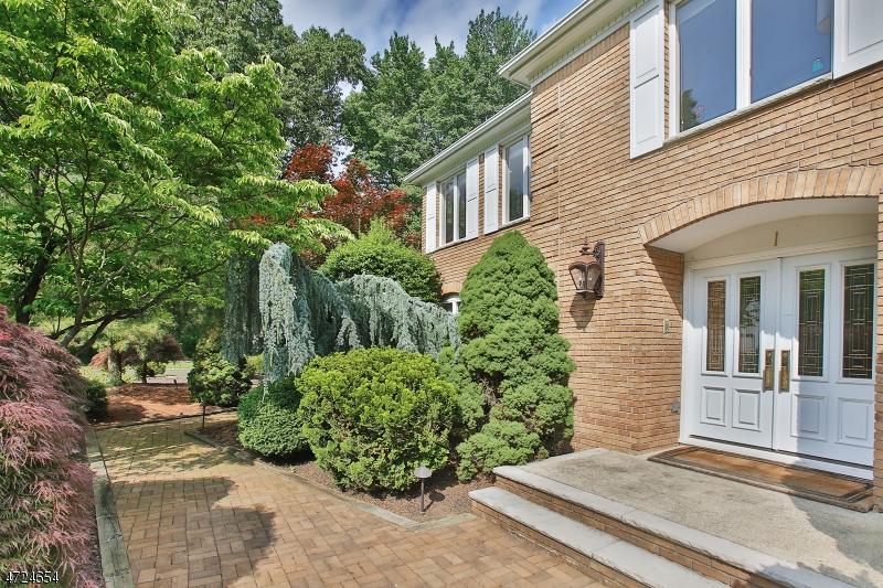 Частный односемейный дом для того Аренда на 1 Cherokee Trail Montvale, Нью-Джерси 07645 Соединенные Штаты