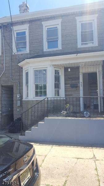 Частный односемейный дом для того Продажа на 403 Scott Mobus Place Harrison, Нью-Джерси 07029 Соединенные Штаты