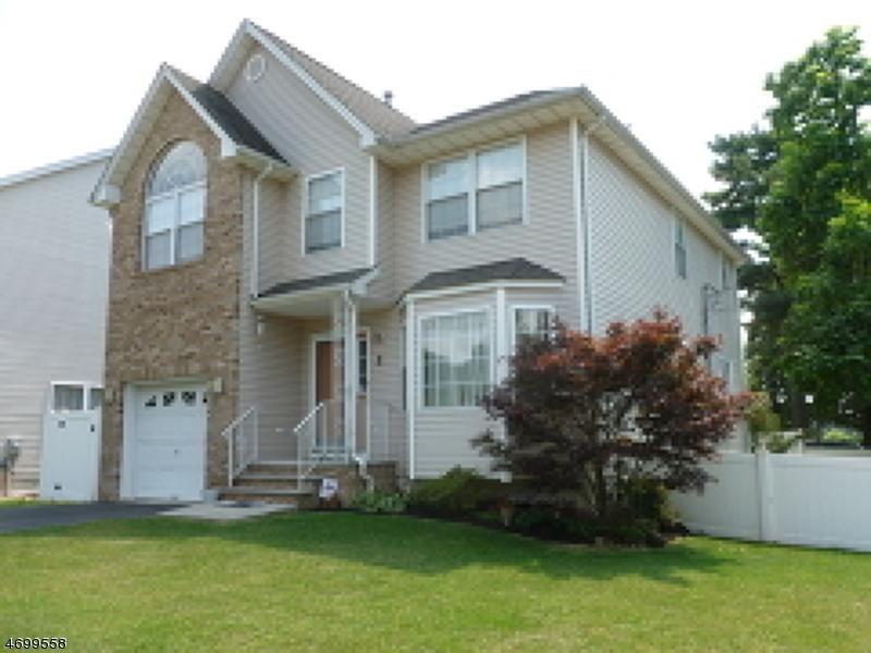 Casa Unifamiliar por un Venta en 2 Paul Place Fanwood, Nueva Jersey 07023 Estados Unidos