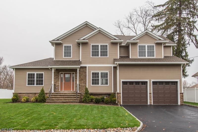 Частный односемейный дом для того Продажа на 72 Mandeville Avenue Pequannock, Нью-Джерси 07440 Соединенные Штаты
